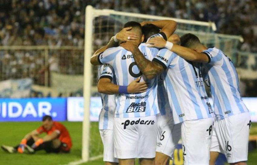 célébration des joueurs de l'Atlético Tucumán contre River