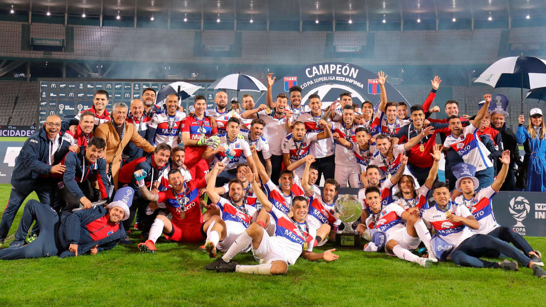 Tigre champion de Copa Superliga