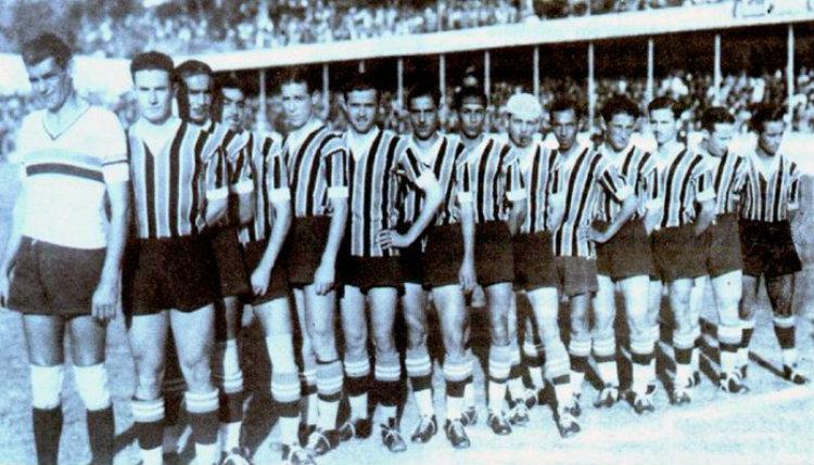 L'équipe de Grêmio avec son gardien Lara