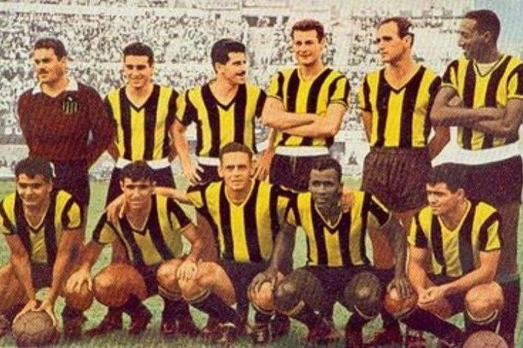 L'équipe de Peñarol, vainqueur de la Copa Libertadores 1960