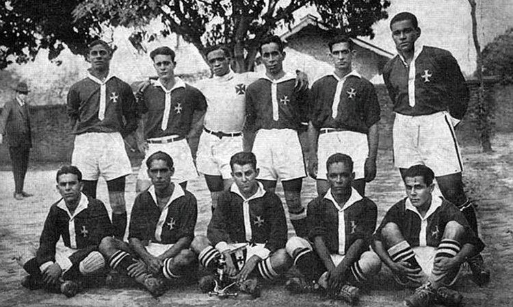 Les Camisas Negras : l'équipe de Vasco da Gama, championne de l'Etat de Rio en 1923.