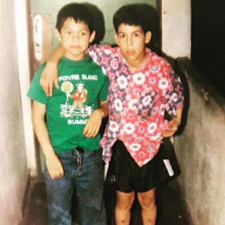 Dario Coronel Cabañas et Carlos Tevez lorsqu'ils étaient enfants
