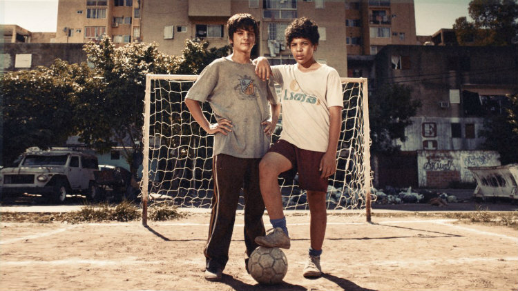 """Danilo """"Uruguayo"""" et Carlos Tevez dans la série Apache : la vie de Carlos Tévez"""
