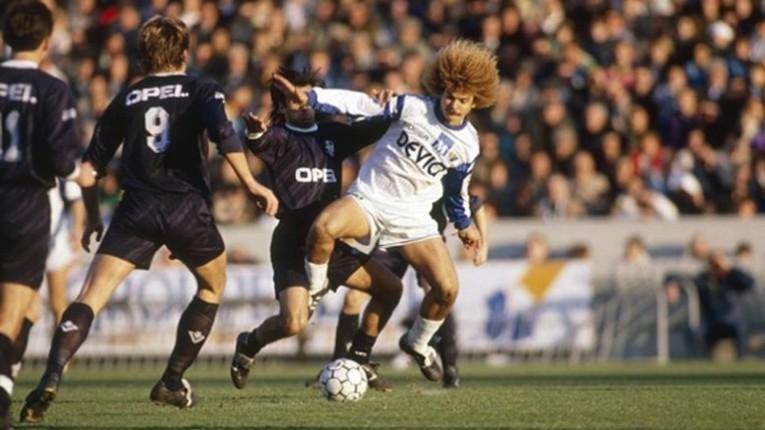 En 1990, Valderrama remporte son premier trophée : la Coupe de France