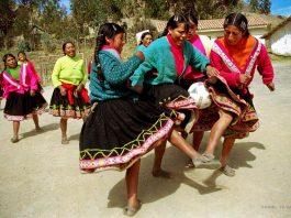 Churubamba : les footballeuses des Andes