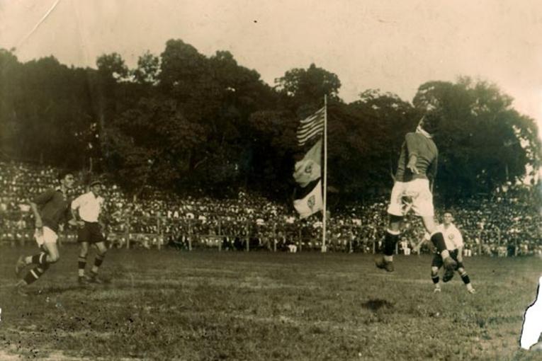 Le Derby entre Palestra Italia et Corinthians dans les années 20.